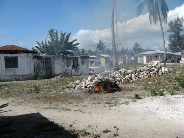 © Wilhelm Roseneder. Zanzibarische Kunstgriffe. Gebrannter Ton/Fired clay, ca. 20 cm. Jambiani, Zanzibar, Tanzania, 2011