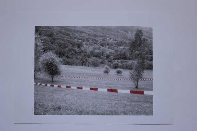 © Renate Egger. Paradies/Paradise. Kopie, Rotstift/Copy, red pencil, 21x29,6 cm, 2009