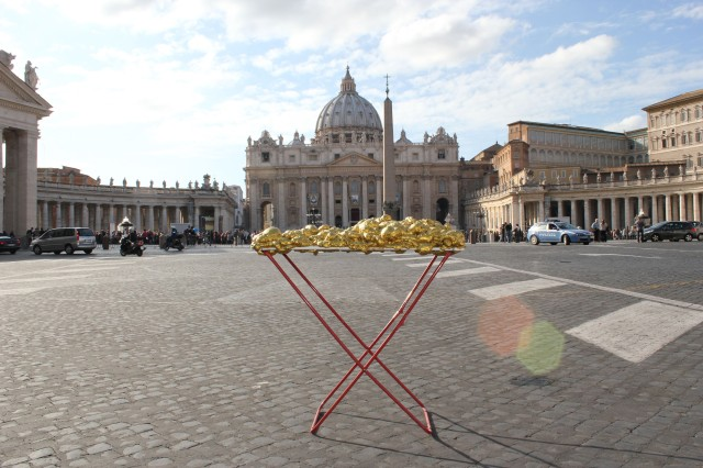 © Renate Egger and Wilhelm Roseneder. Goldene Erweiterung:Golden expansion. Street art project. Vatican. Rome, Italy, 2011
