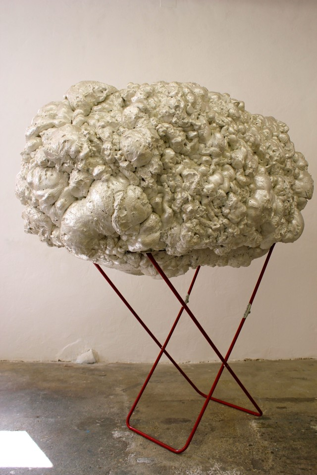 © Wilhelm Roseneder. Perlmutt weiße Erweiterung/Pearl white expansion, 2009. Polyurethan, verschiedene Materialien, Acryllack auf Metall (Wäschetrockner)/Polyurethane, various materials, acrylic varnish on metal (clothes-dryer), 1.75x1.81x1.01 m