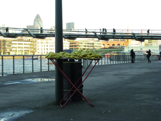 © Renate Egger and Wilhelm Roseneder. Goldene Erweiterung/Golden expansion. Street art project. London, UK.  December 2010